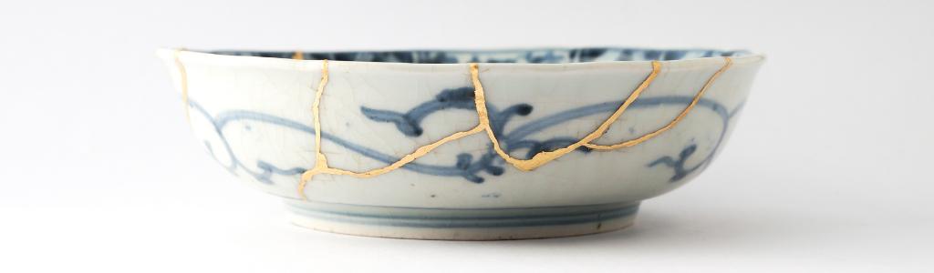 Assiette creuse chinoise recollée à l'or fin