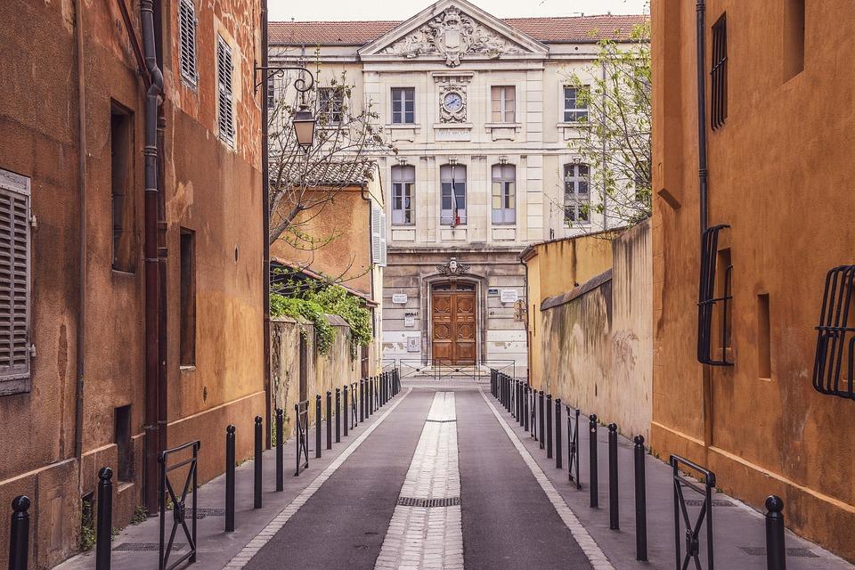 Or en Cash ouvre à Aix en Provence