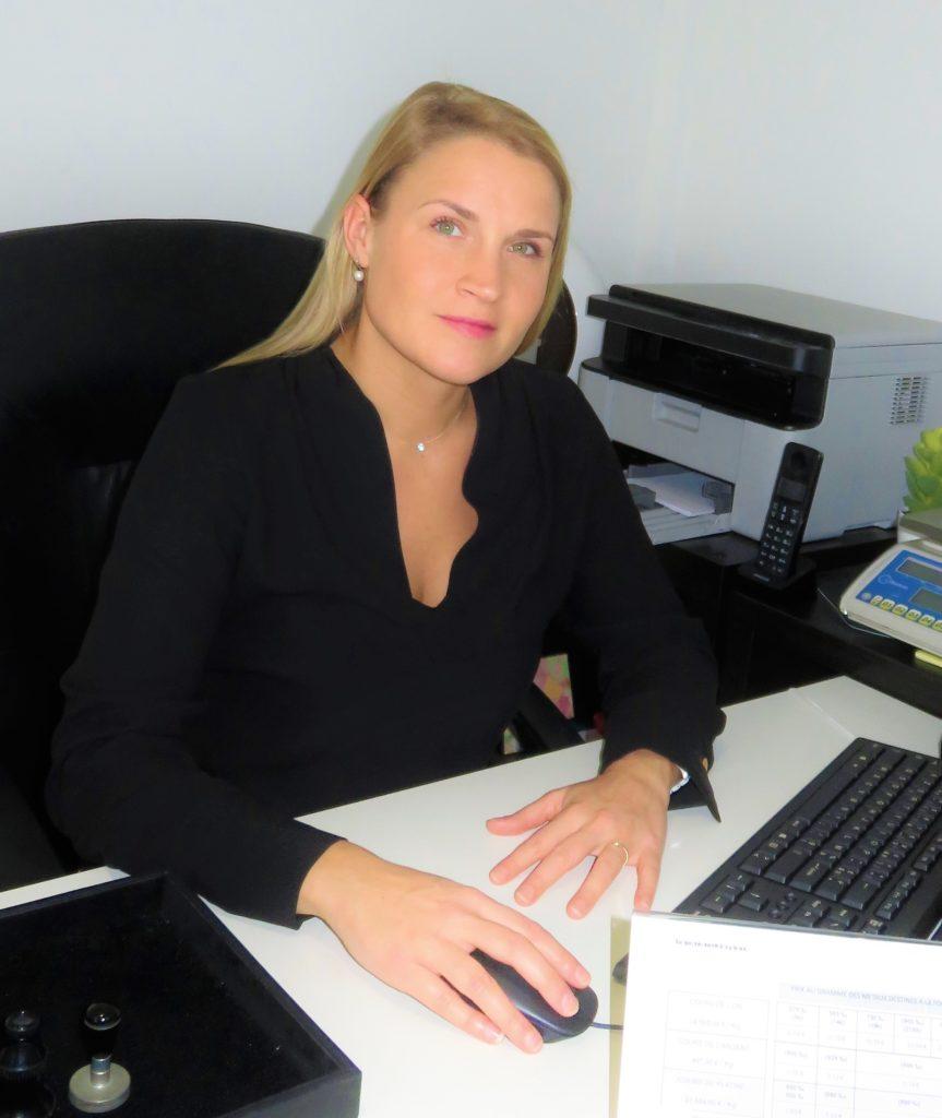 Audrey Es Sifer, gérante de l'agence Or en Cash Lesparre-Médoc