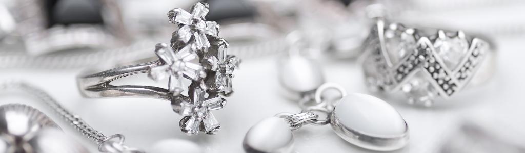 Symbolique de l'argent dans les bijoux