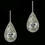 Boucles d'oreilles avec diamants en poire